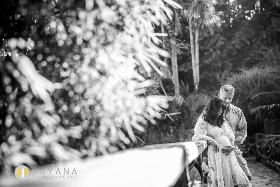 Bali Maternity Photo at Karma Kandara Bali Photographer 01
